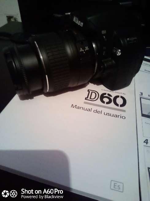 Imagen Cámara Nikon D60 con Objetivo 18:55mm