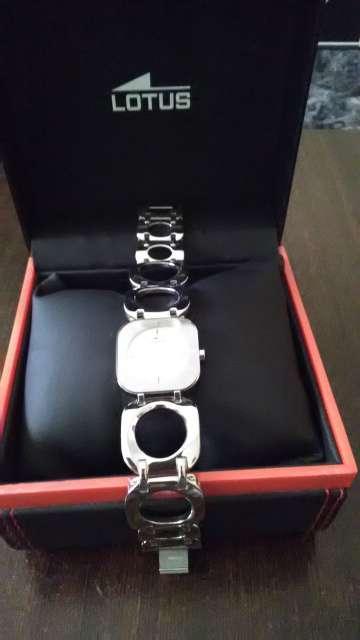 Imagen producto Reloj Lotus 2