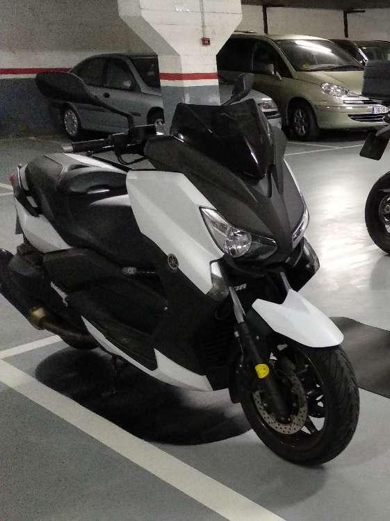 Imagen producto Yamaha x-max 400 2