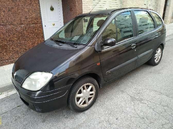 Imagen Renault Scenic gasolina 2.0 180.000 kilómetros muy buena full equipo ITV recién pasada 750€ llamar al 632731348 Sr emanuel