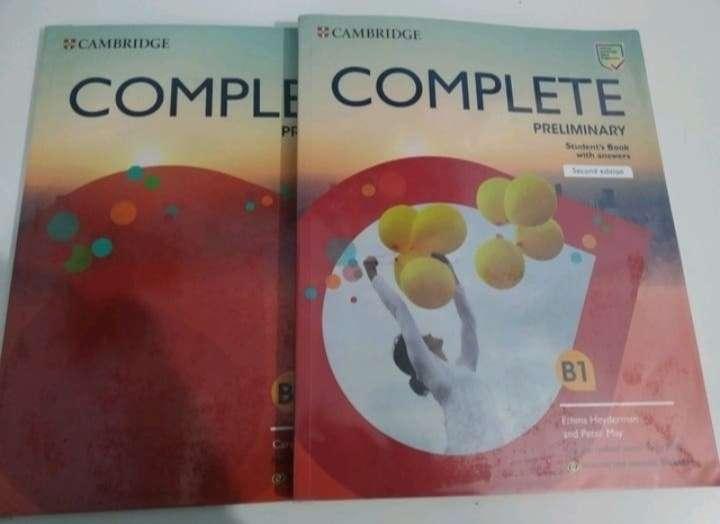 Imagen libros B1 inglés NEGOCIABLE