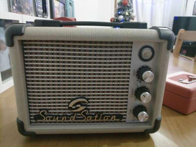 Imagen amplificador de sonido + altavoz