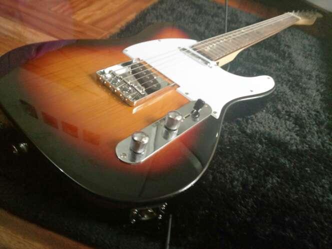 Imagen guitarra eléctrica + puas regalo