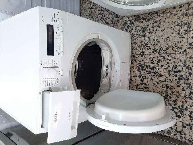 Imagen producto Secadora AEG 8 kg condensación  2