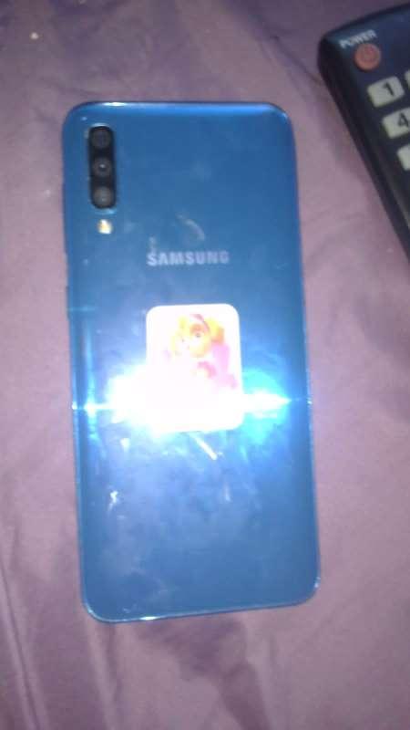 Imagen producto Samsung Galaxy A50 de 128GB  2