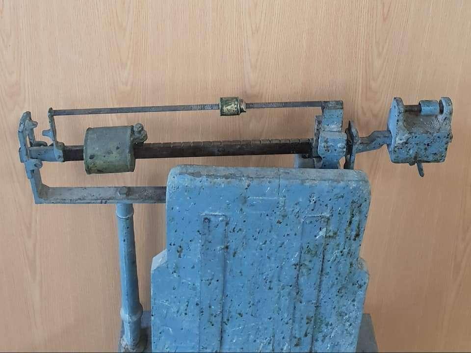Imagen producto Bascula antigua madera 2