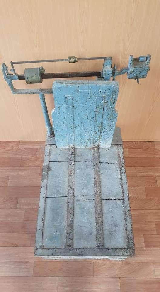 Imagen producto Bascula antigua madera 3
