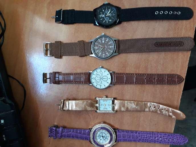 Imagen Conjuntos de relojes.