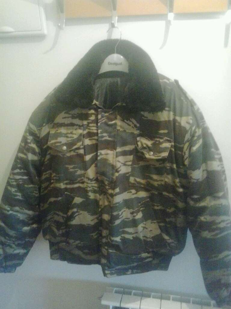 Imagen abrigo militar ruso