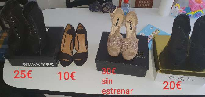 Imagen vendo zapatos de tacón