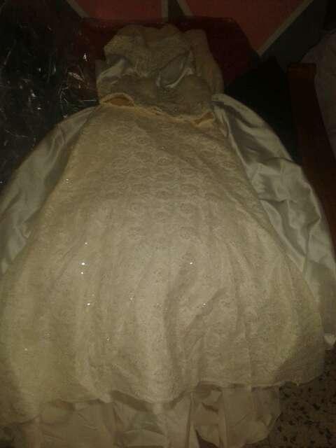 Imagen falda y corpino de novia