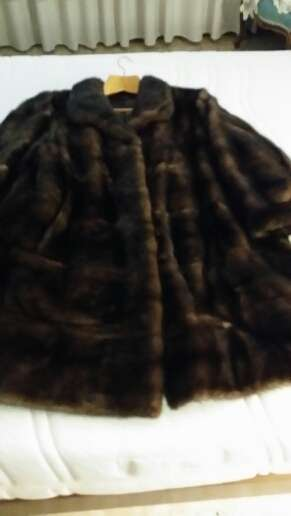 Imagen venta abrigo seminuevo