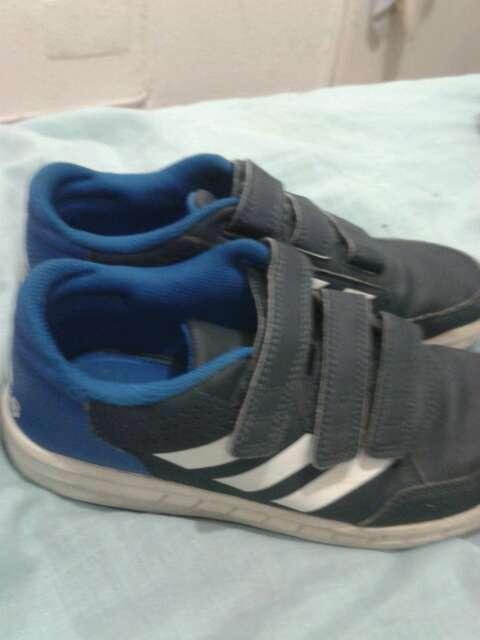 Imagen producto Zapatos Adidas talla 34 2