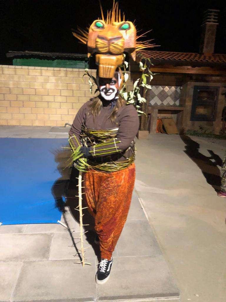 Imagen producto Disfraz Rey León para 11 personas 9