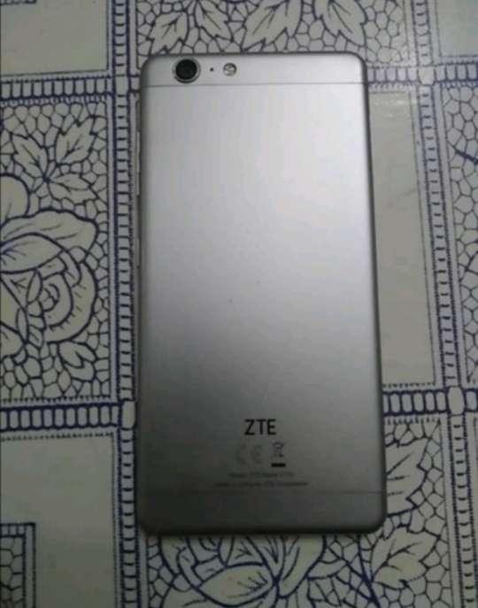 Imagen producto ZTE blade v770 2
