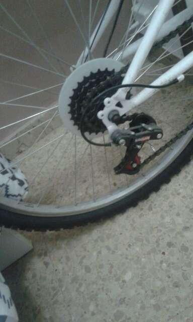 Imagen producto Bicicleta modelo hard trail 240 denver 4210-2M tamaño mediana  2