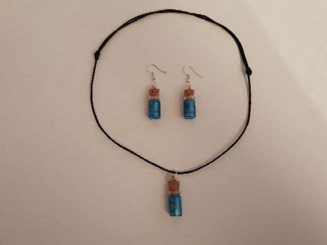 Imagen producto Vendo  conjunto de collar y pendiente  4