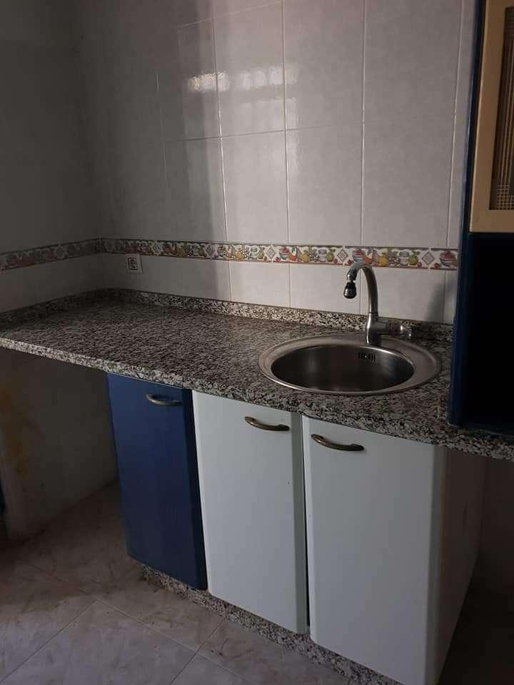 Imagen Muebles de cocina con encimera granito