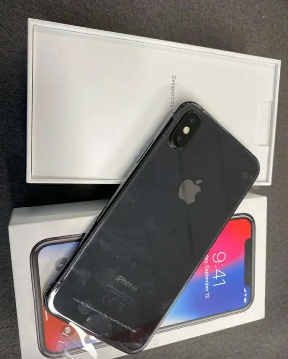 Imagen producto IPhone X 64GB  2