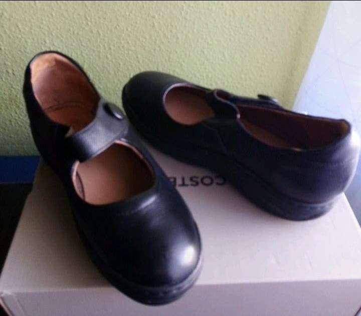 Imagen Zapatos de camarera.