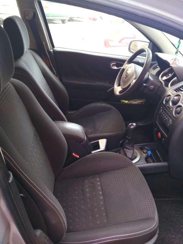 Imagen producto Vendo coche Ranault  4