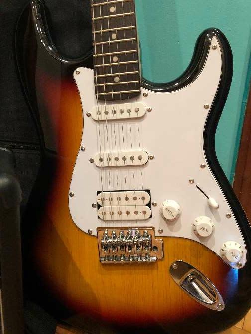 Imagen producto Guitarra eléctrica nueva 3