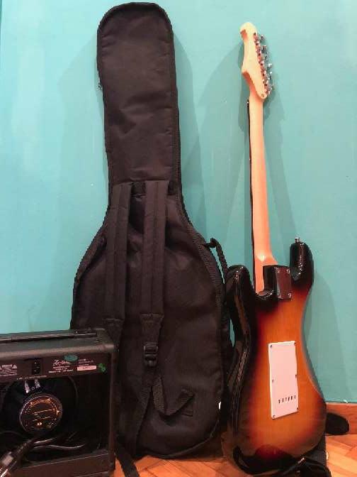 Imagen producto Guitarra eléctrica nueva 7