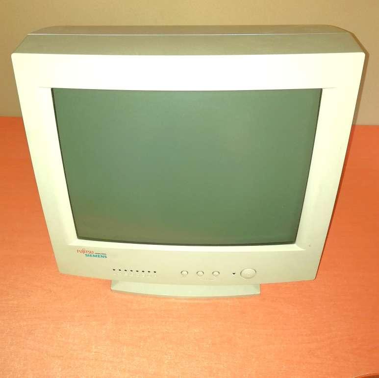 Imagen producto Pantalla PC Fujitsu SIEMENS Antigua Con Culo 3