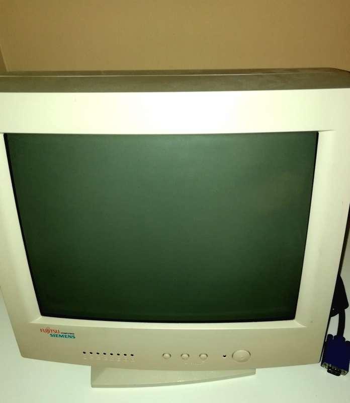 Imagen producto Pantalla PC Fujitsu SIEMENS Antigua Con Culo 4