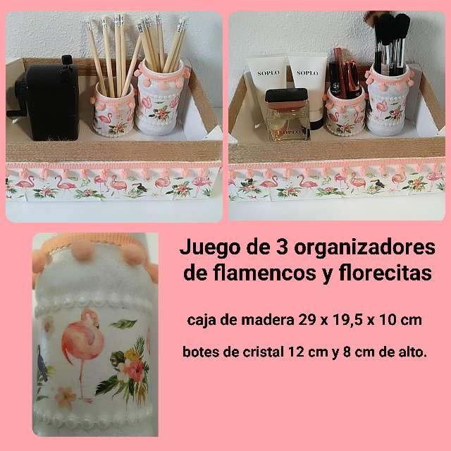 Imagen 3 organizadores de flamencos y flores.