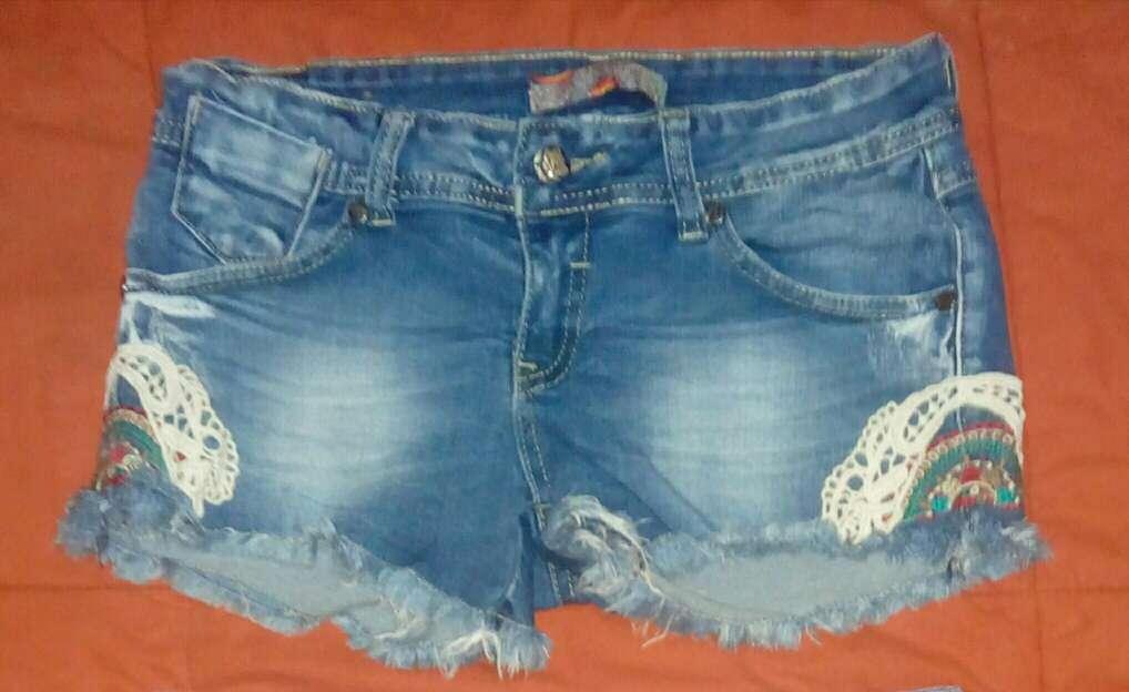 Imagen Lote pantalón corto y falda vaquera