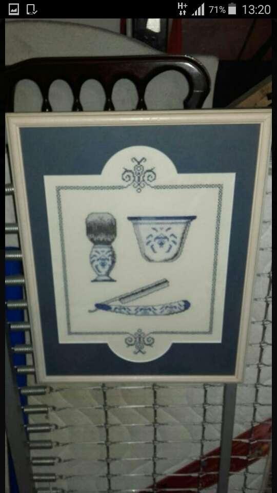 Imagen se vende Cuadro punto cruz.48x39.motivos barberia.