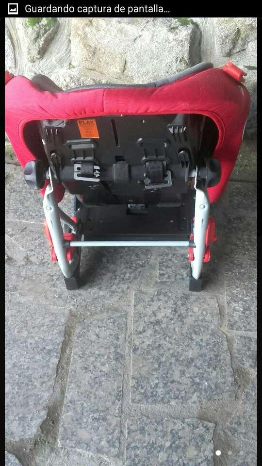 Imagen producto Silla de coche marca play de 9-18kg muy cuidada. 3
