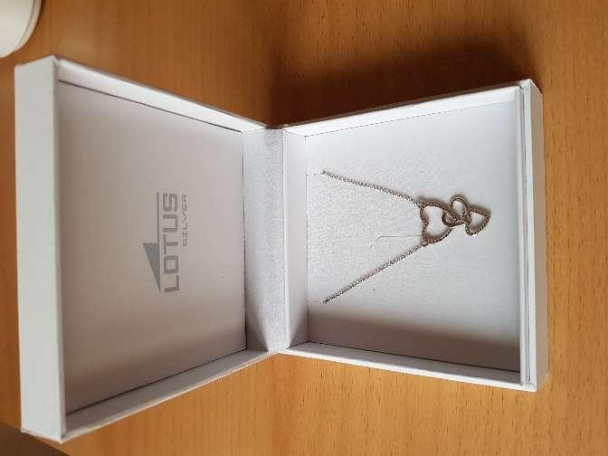 Imagen cadena de plata, lotus
