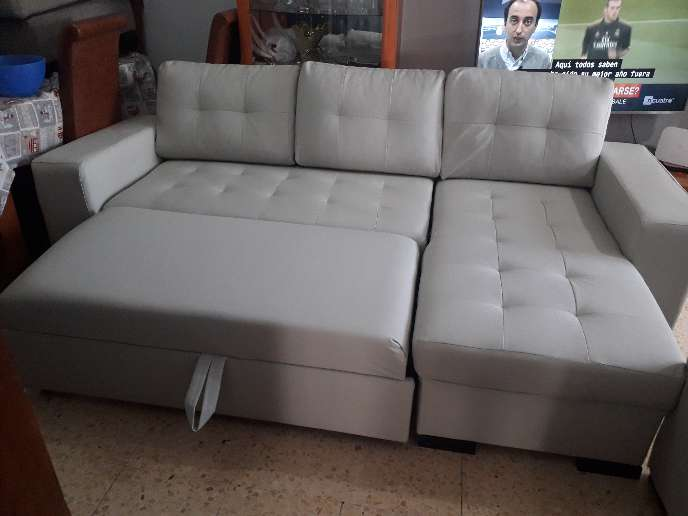 Imagen Sofa recien tapizado .Nuevo a estrenar