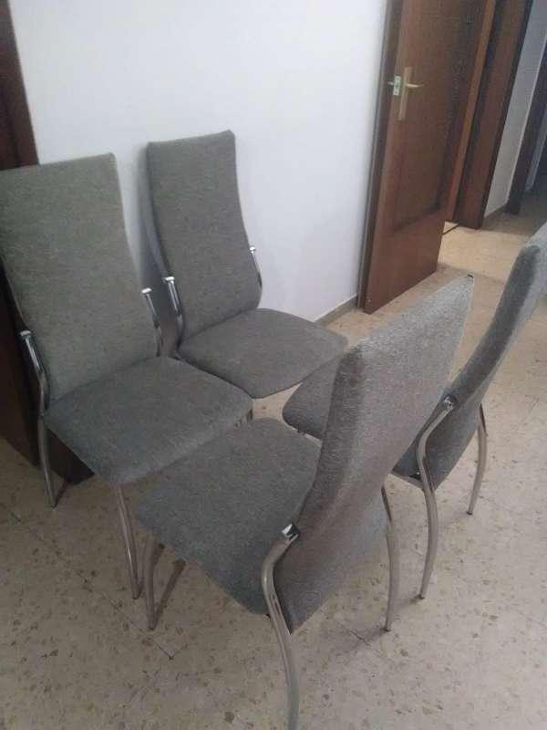 Imagen juego de sillas de 4 puesto nuevas