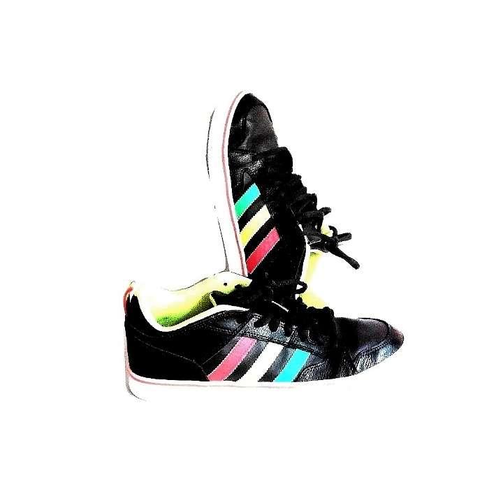 Imagen Zapatillas Adidas Edición Rasta N°42