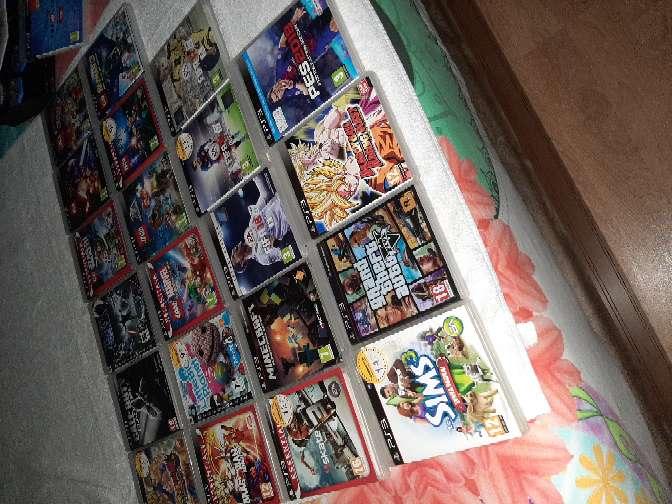 Imagen PS3 con juego Disney infinity con plataforma y 20 juegos más.