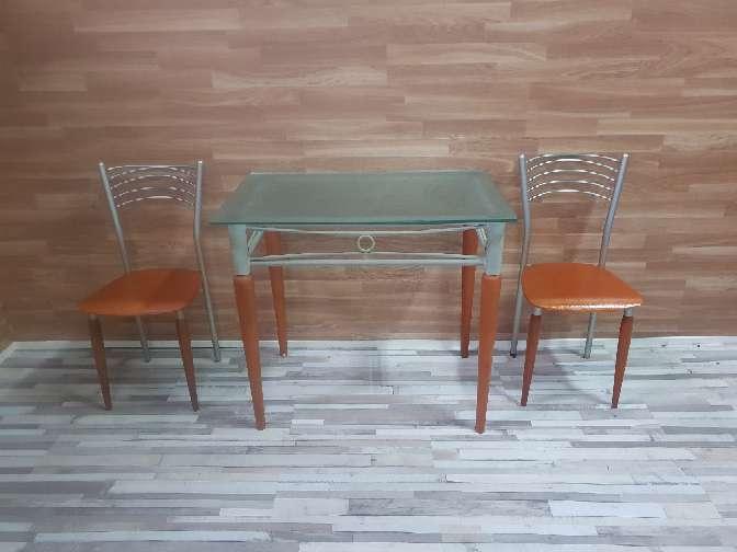 Imagen Mesa metalica y dos sillas