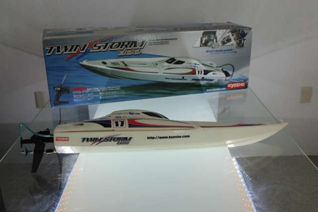 Imagen Kyosho Twin Storm 800