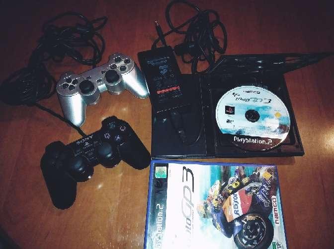 Imagen Play 2 con 2 controles
