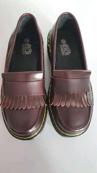 Imagen zapatos modernos