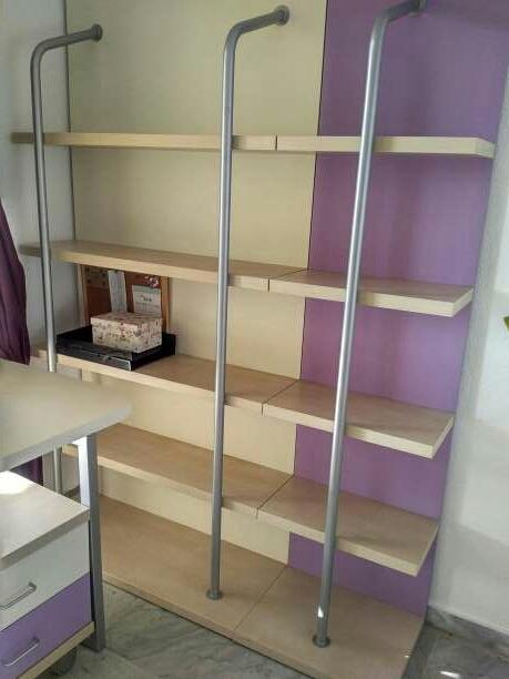 Imagen producto Dormitorio juvenil vendo dormitorio juvenil en perfecto estado. consta de un compacto con dos camas, escritorio de 2.5 metros de largo, estantería y cómoda  4