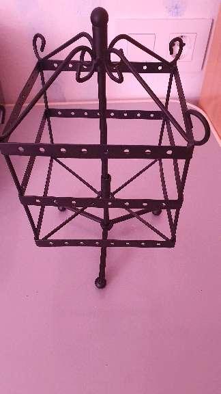 Imagen producto Untesilio para colgar pendientes y collares 3