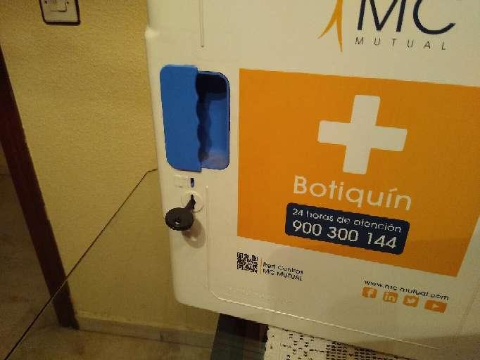 Imagen producto Caja o Armario para Botiquín de primeros auxilios 3