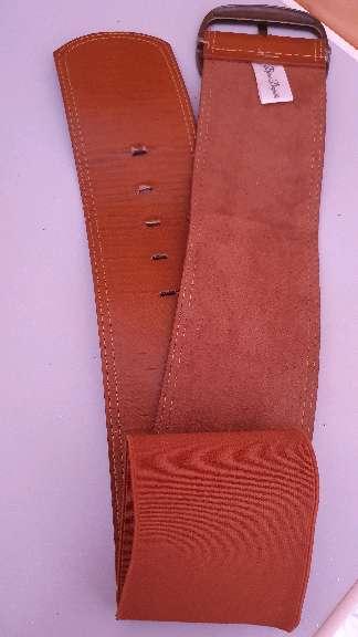 Imagen cinturón marrón