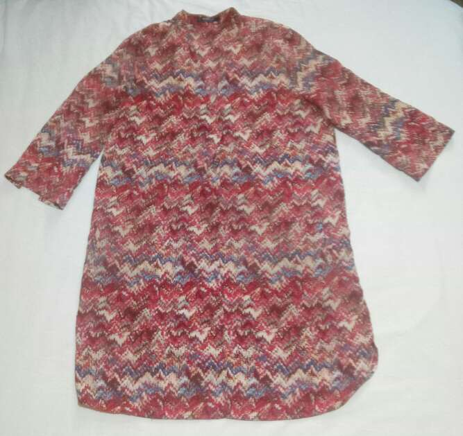 Imagen Camisa estampada larga de mango