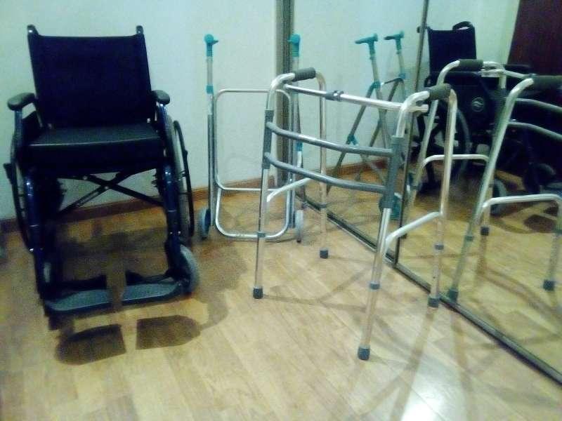 Imagen pack silla de ruedas y caminadores