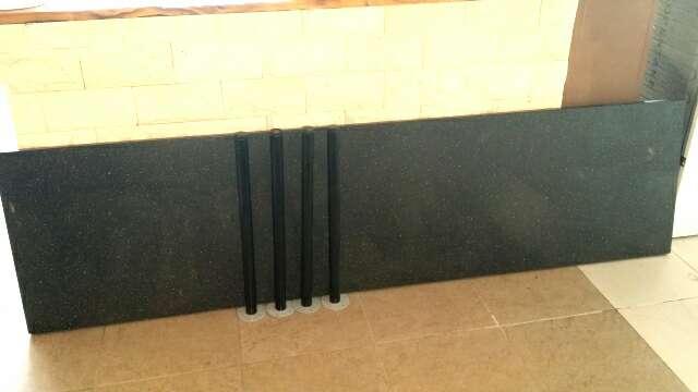 Imagen producto Mesa con 4 patas 1