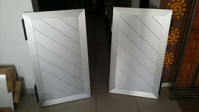 Imagen Puertas van y ven de aluminio 56x100
